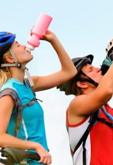 Fitness – Bauturile pentru sportivi, sanatoase?