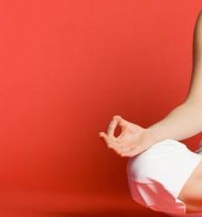 Fitness – Yoga poate atenua acneea